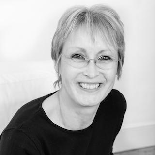 Lorraine Paul