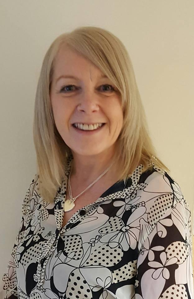 Mrs  Lynne Gibbons