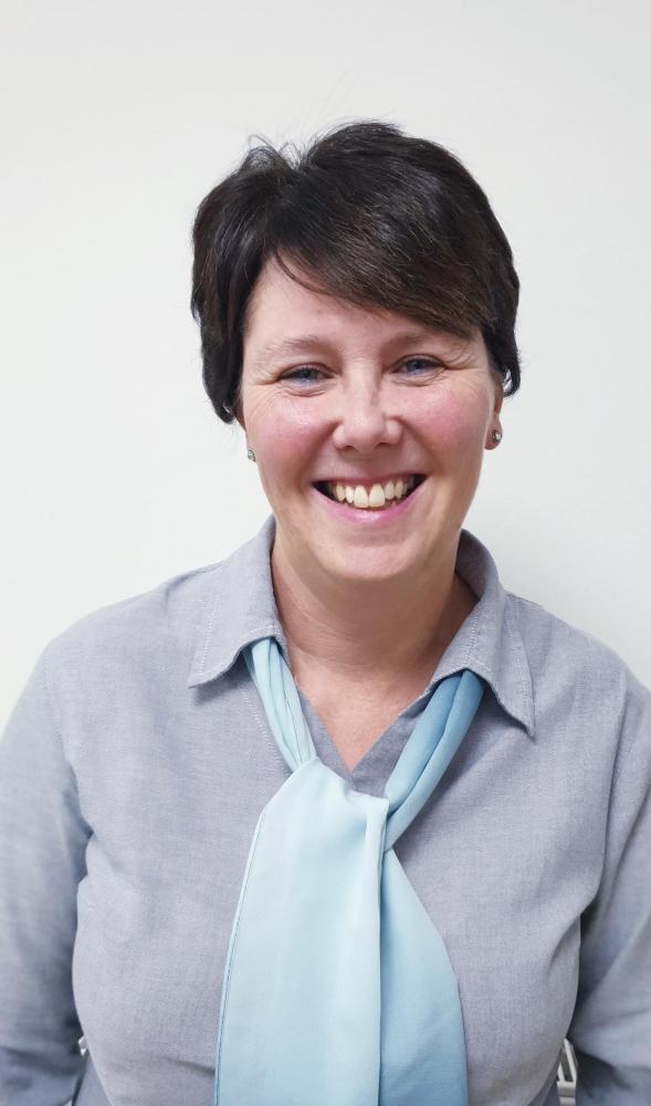 Mrs  Sue Hunt
