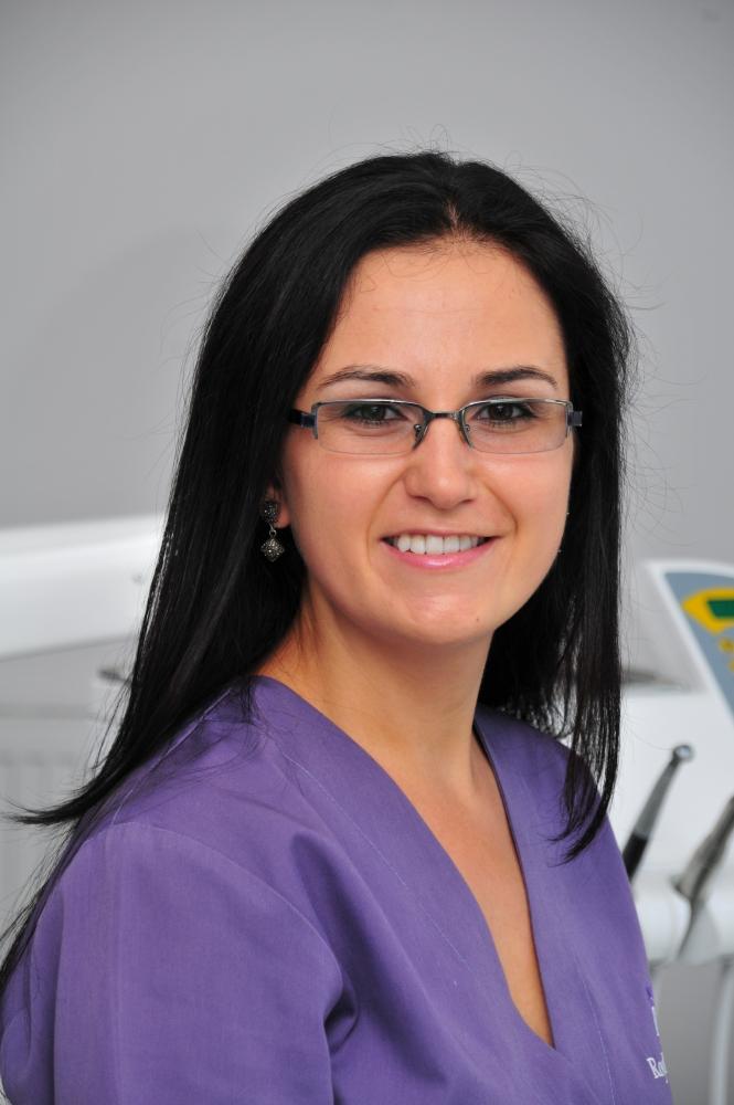 Dr Ioana Negoita