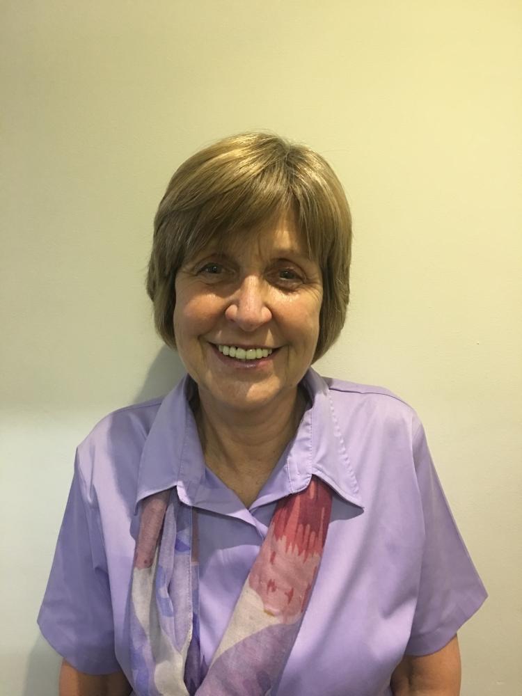 Mrs  Sue Parker