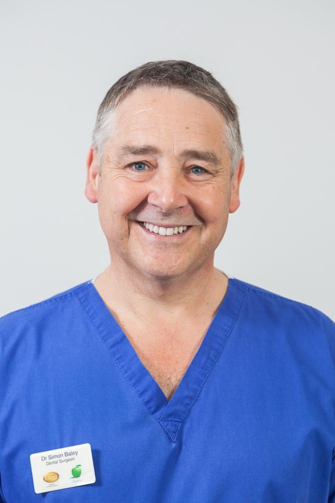 Dr Simon Batey